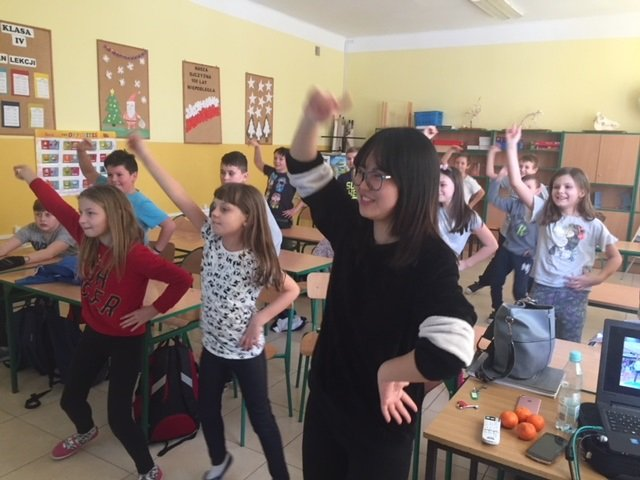 Wolontariusze z AIESEC w Publicznej Szkole Podstawowej w Osmolicach Pierwszych